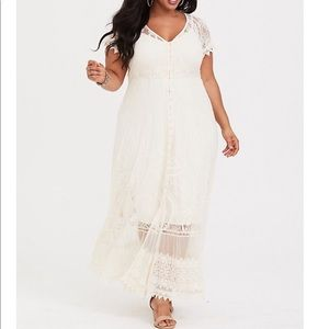 NWT torrid size 3 button front lace maxi dress